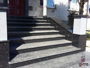 schody_z_kamienia_kamienne_schody_marmur_granit_czarne-min